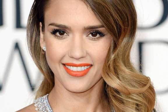 Scientifically proven: Bright lipstick makes you look younger