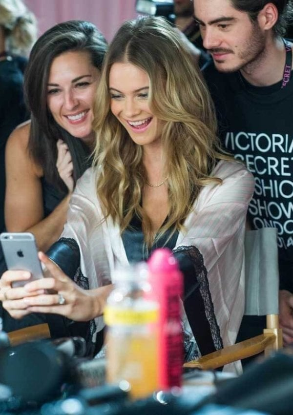 How to look like a Victoria's Secret Angel (from the neck up, at least)
