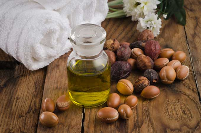 Argan fruit and oil