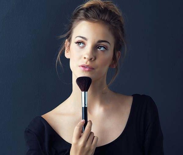 Secret makeup files: 21 genius makeup hacks every lazy girl needs